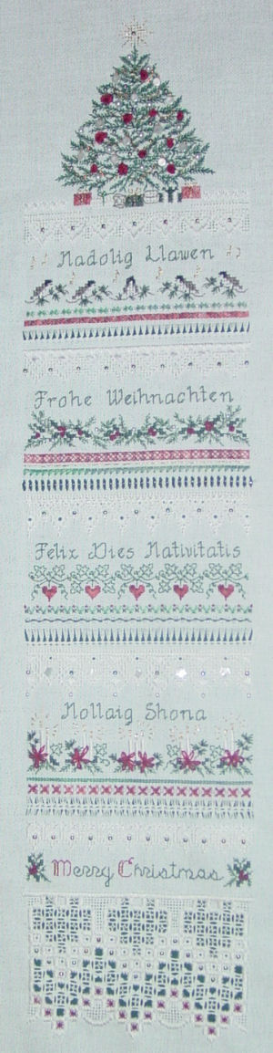 Heirloom Christmas by Victoria Sampler